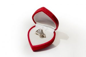 ההבדל בין טבעות אירוסין לטבעות נישואין