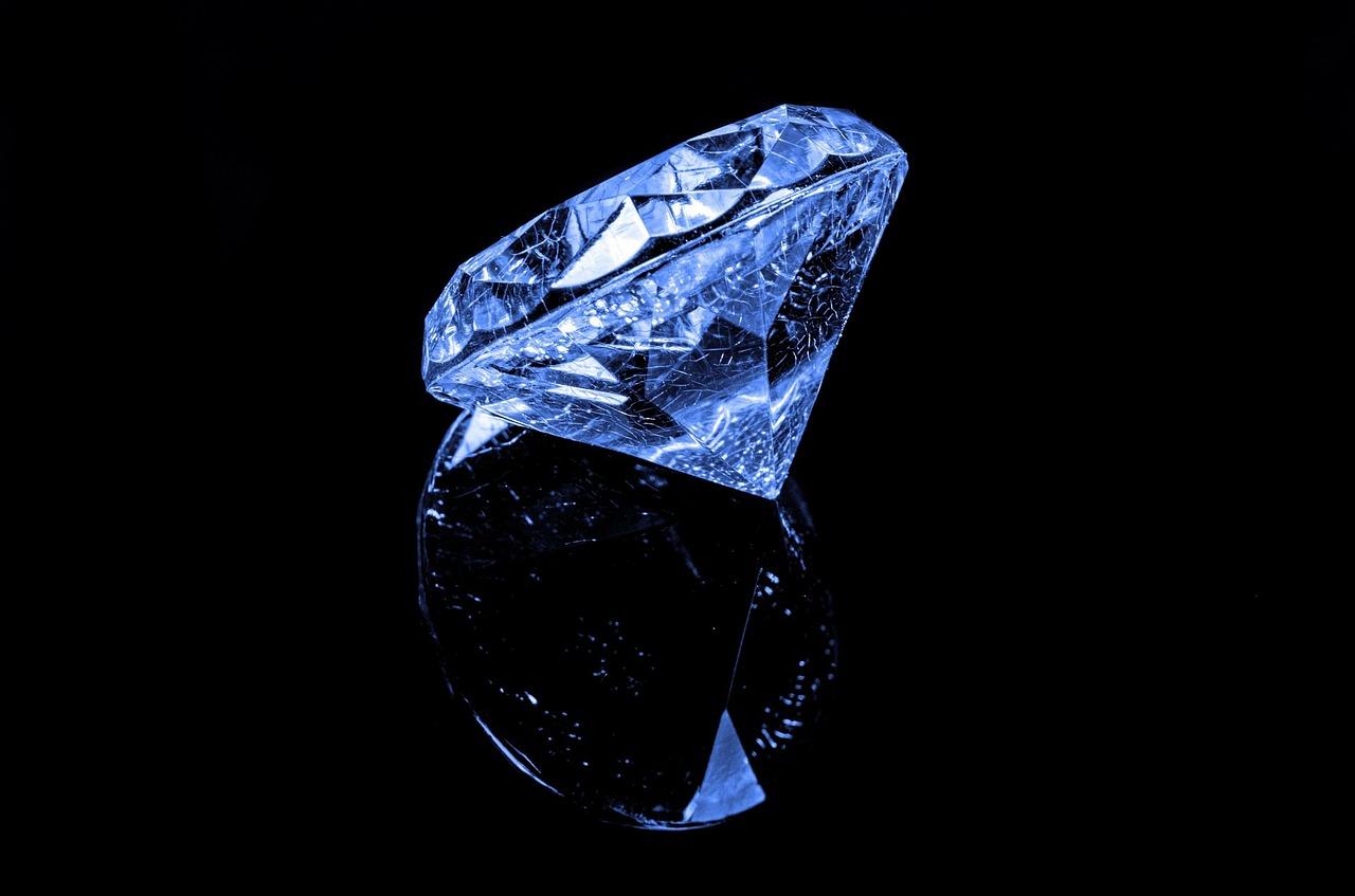 תכשיטי יהלומים: סוגי תכשיטים משובצים עם יהלום